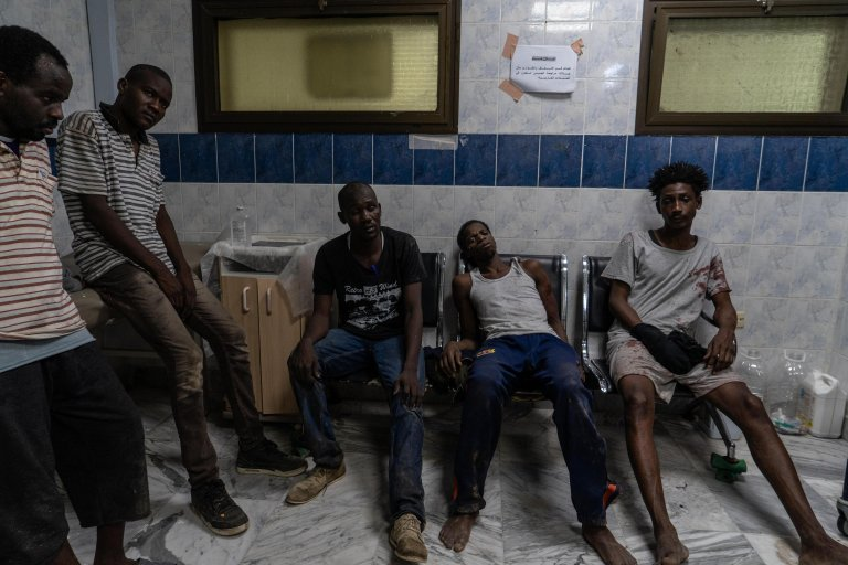 Migrants in a Libyan hospital after an airstrike that hit a detention center near the capital Tripoli on July 2, 2019 | Photo: ANSA/Zuhair Abusrewil