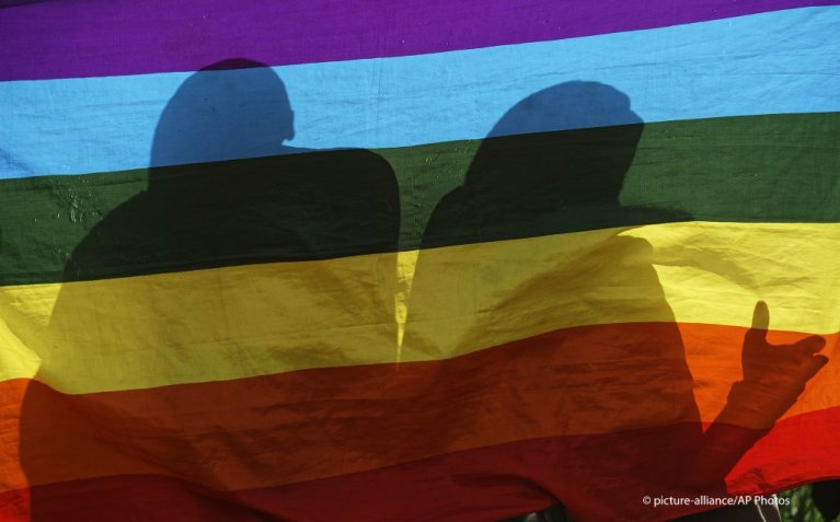 در بیش از ۶۰ کشور جهان همجنسگرایی جرم محسوب می شود./عکس: picture-alliance/AP Photos