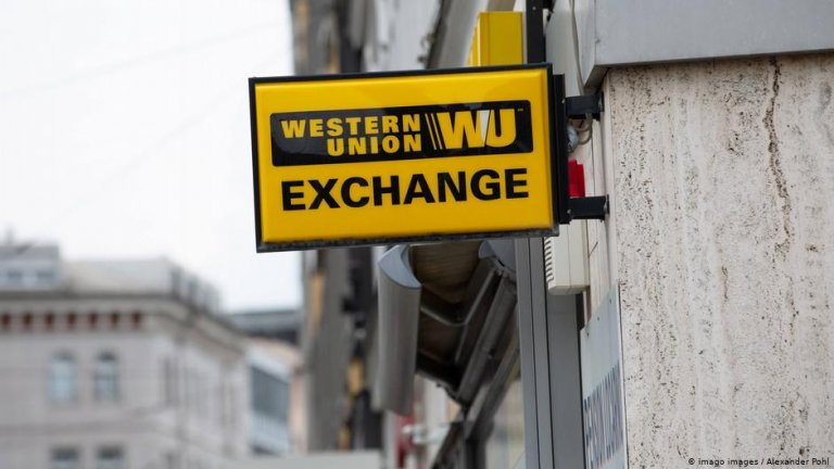 Western Union in Munich | Photo: Alexander Pohl/Imago Images