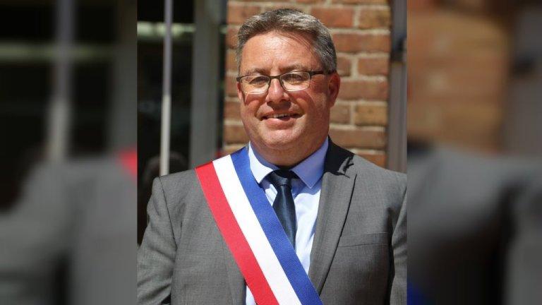 مارسیال بییار، شهردار جدید گراندسنت، ٣ جولای ٢٠١٩.  عکس از صفحه فیسبوک گراند سنت