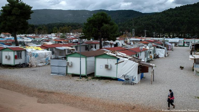 View of the Malakasa migrant camp | Photo: Picture-alliance/dpa/A.Tzortzinis