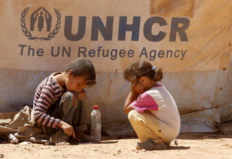 ansa / طفلان سوريان في مخيم الزعتري للاجئين بالقرب من مدينة المفرق في الأردن. المصدر: إي بي إيه