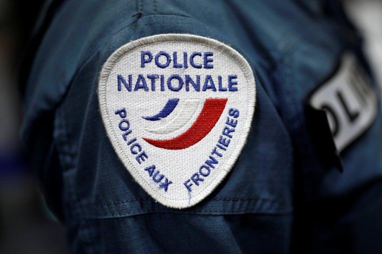 نشان پولیس فرانسه. عکس از رویترز