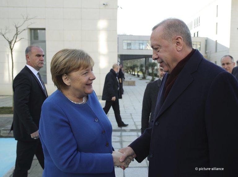 انکلا مرکل صدراعظم آلمان با رجب طیب اردوغان رئیس جمهور ترکیه در استانبول
