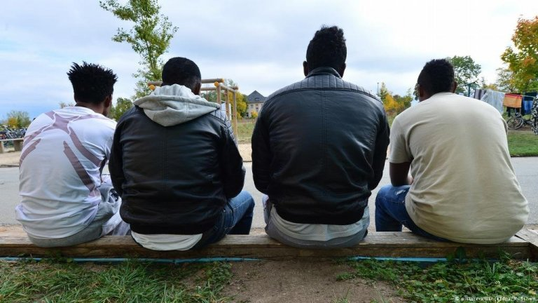 Un groupe de jeunes migrants en Allemagne . Crédit : Picture alliance