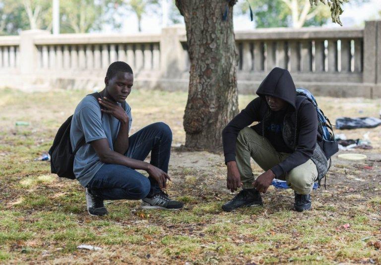 Deux mineurs tchadiens vivant dans les rues de Paris (archives). Crédit : Mehdi Chebil pour InfoMigrants