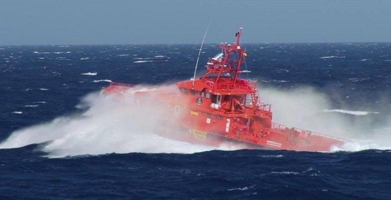 صورة من الموقع الرسمي لفرق إنقاذ جزر الكناري أثناء عملية إنقاذ مهاجرين