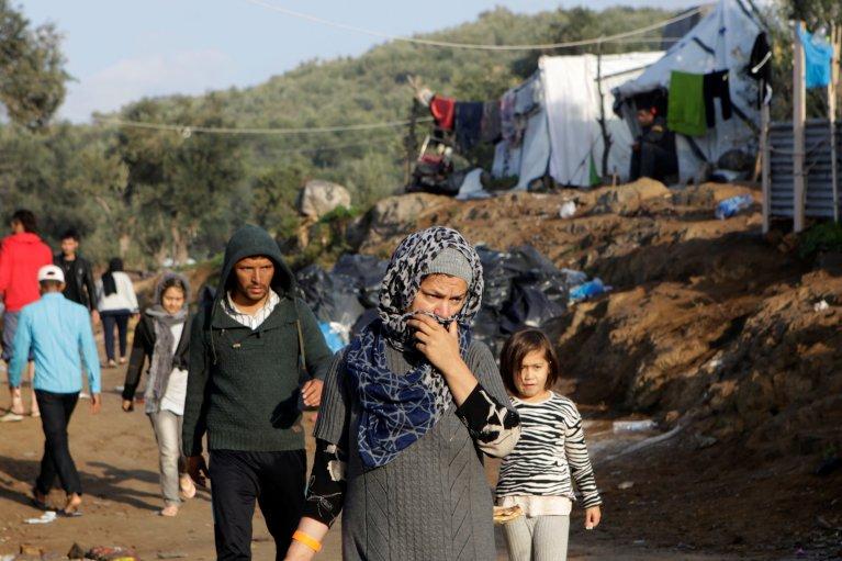 Des migrants dans le camp de Moria, sur l'île grecque de Lesbos. Crédit : Reuters