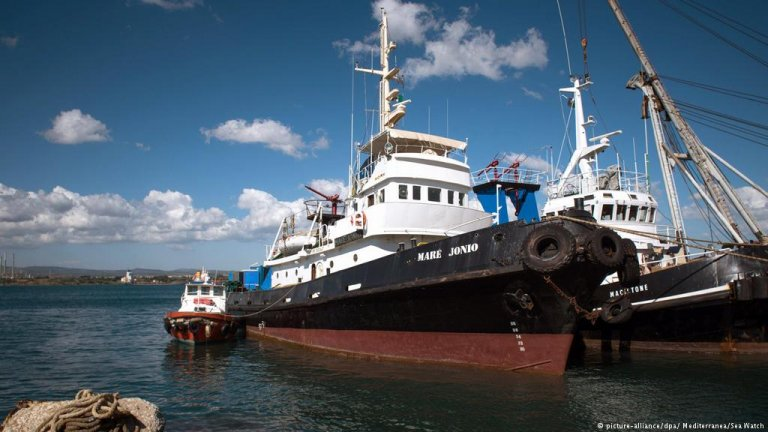The Mare Jonio used to be a commercial tug boat | Credit: picture-alliance/dpa/Mediterranea/Sea Watch