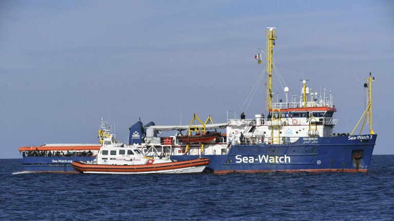 Le Sea-Watch 3 au large de Syracuse, le 27 janvier 2019. Crédit : Picture-alliance/Salvatore Cavalli/AP/dpa