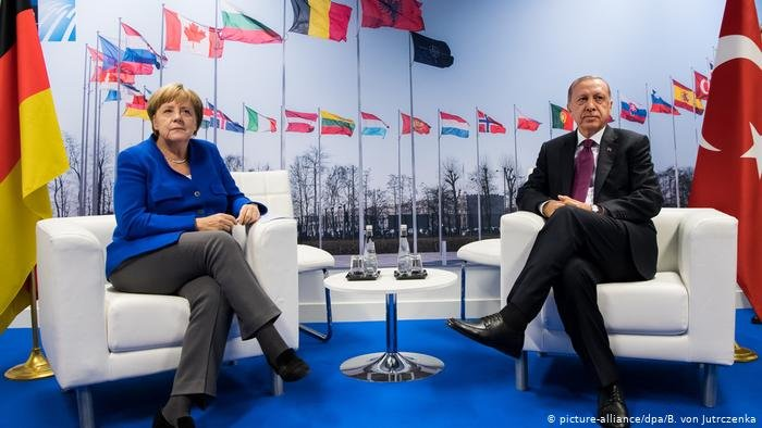 ميركل وأردوغان في لقاء سابق - أرشيف