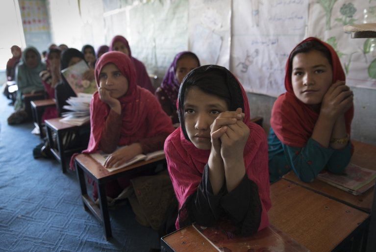 Community-based education programs like this one in Kabul, Afghanistan are often the only opportunity for refugee children, especially girls, to receive an adequate education | Copyright: Paula Bronstein for HRW
