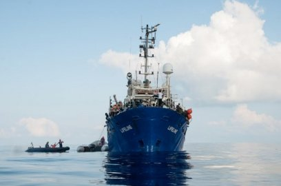Migrants: le Lifeline est à quai dans le port de La Valette à Malte