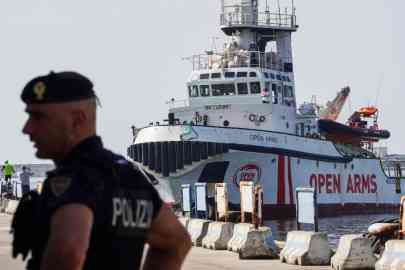 The NGO Open Arms tugboat in the port of Naples. |PHOTO:ANSA/Cesare Abbate